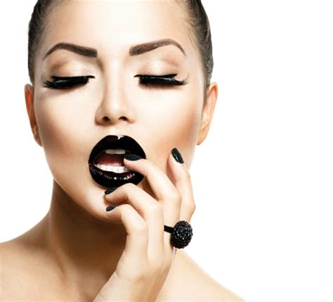 maquillage de minimaliste d inspiration fashion