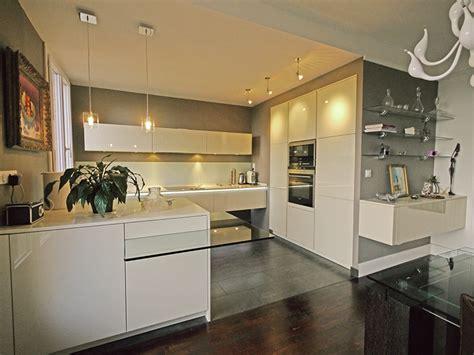 mur en cuisine une cuisine ouverte chic et raffinée inspiration cuisine