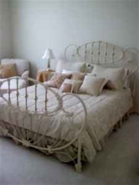Metal Headboards For Sale by Best 25 White Iron Beds Ideas On White Metal