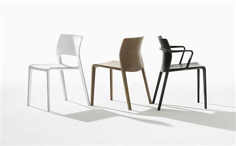 chaise en allemand les chaises design italien juno et saya primées en allemagne