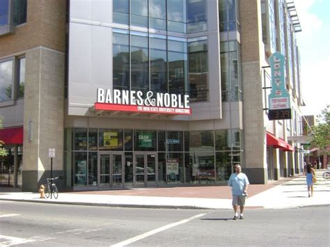 Photos For Barnes & Noble