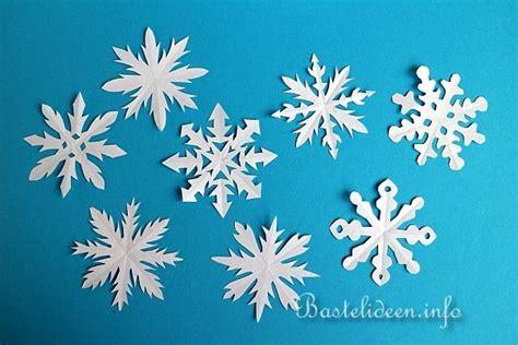 weihnachtsbasteln papier schneeflocken basteln