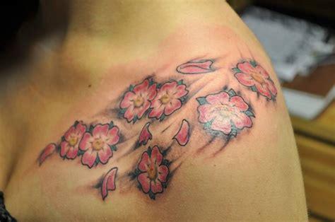 tatuaggi rami fiori tatuaggi con fiori