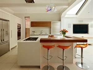 Cuisine blanche et bois le mariage parfait pour une for Deco cuisine avec salle a manger bois et blanc laquà