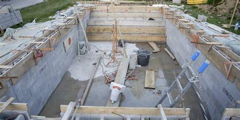 comment coffrer un mur le coffrage d une piscine creus 233 e comment faire jardipartage