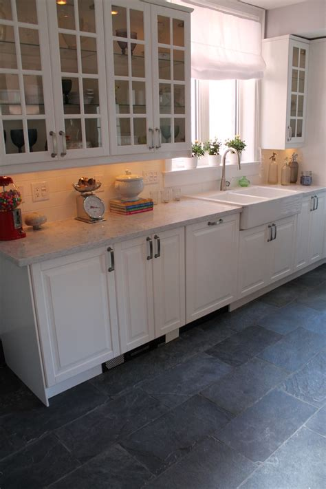 slate floors kitchen 1000 images about hilary farr kitchens it or list 2301