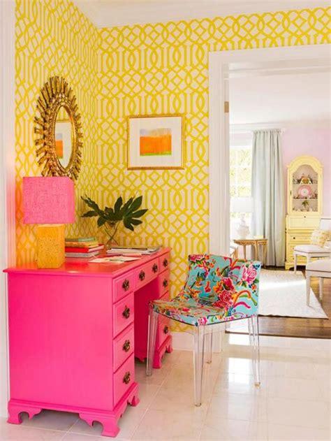 le bureau jaune les 25 meilleures idées de la catégorie commode jaune sur
