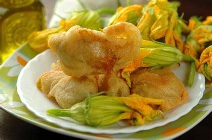cuisiner les fleurs de courgette recette beignet de fleurs de courgettes le de camille