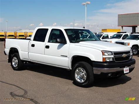 chevrolet silverado hd lt crew cab   summit white  truck  sale
