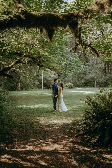 shannah andy  silver falls state park wedding