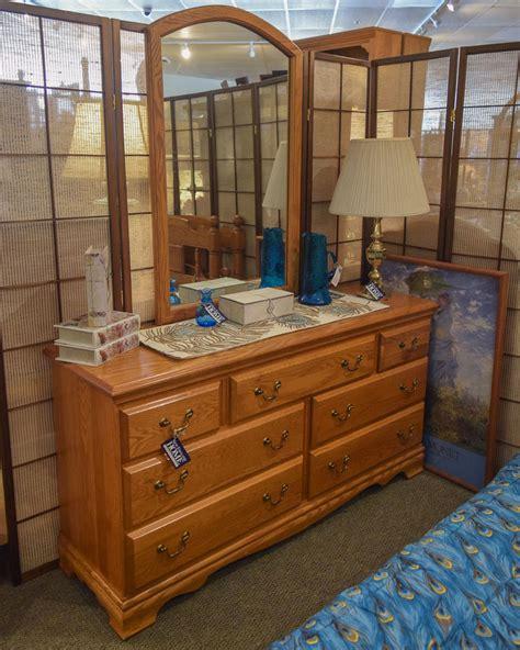 Mirror Finish Dresser by Oak Finish Dresser W Mirror New Home Furniture