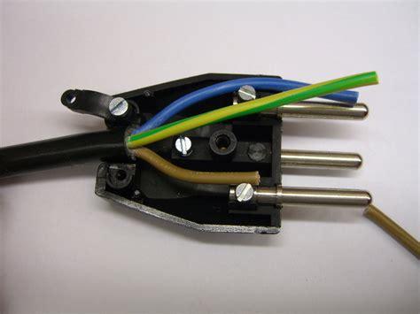 elektrostecker anschliessen reparieren elektrickscom