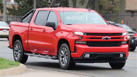 2019 Chevrolet Silverado Rst Looks Sporty In Spy Photos