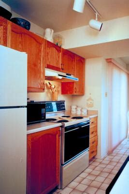 can you replace a kitchen fluorescent light with track