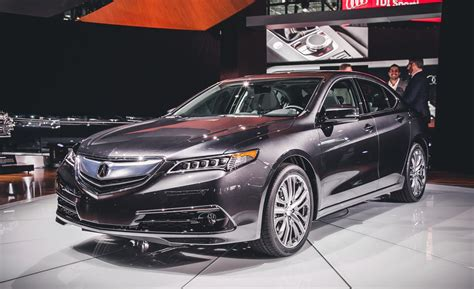 Looking At The Premium 2015 Acura Tlx