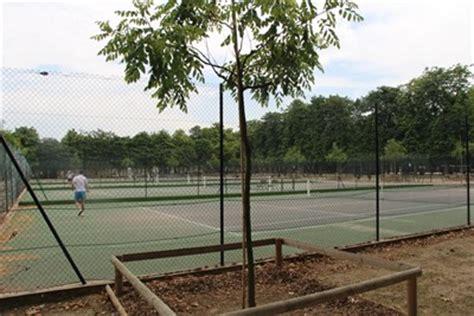Tennis Jardin Du Luxembourg by Courts De Tennis Tennis Courts Luxembourg Gardens