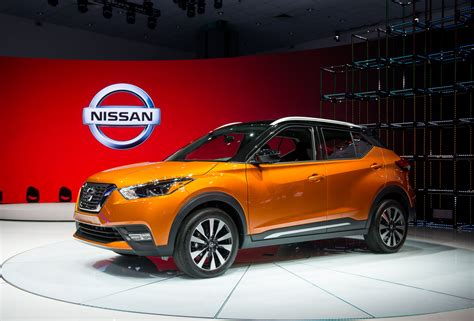 Crossover Shooin 2018 Nissan Kicks Compact Suv Comes To Us