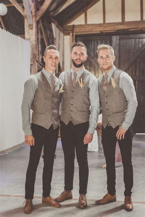 25+ best ideas about Rustic Wedding Attire on Pinterest | Rustic groom Groom outfit and Tweed ...