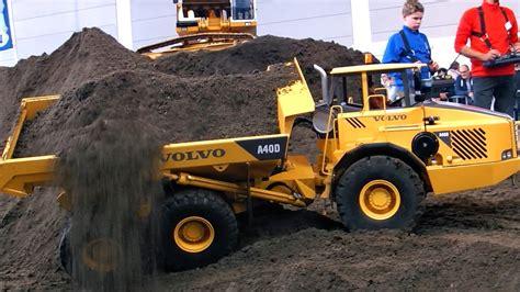 XXL RC CONSTRUCTION SITE BIG SCALE MODEL DUMP TRUCKS AND ...