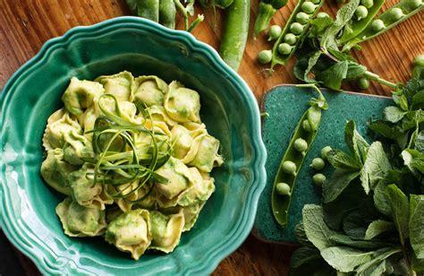 cuisiner des petits pois frais tortellini ricotta epinards au pesto de petits pois