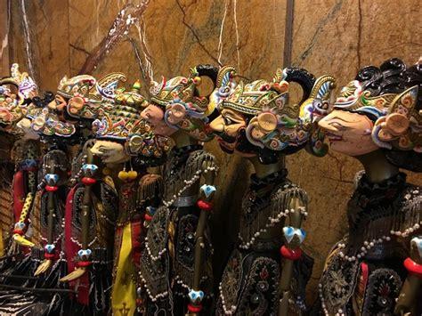 mengenal kesenian wayang golek khas daerah sunda