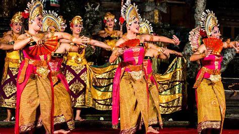 tari tradisional  indonesia  berbagai daerah