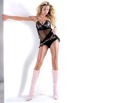 Michelle Hunziker Sexy Wallpaper Images
