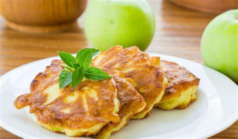 Receptes.lv - Rauga pankūkas ar āboliem
