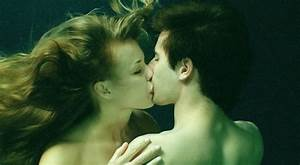 "File:Underwater kiss from ""The Well"".jpg - Wikimedia Commons"