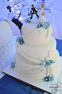 Musique Arrivée Gateau Mariage : white and blue wedding cake with flowers and music notes g teau de mariage bleu et blanc avec ~ Melissatoandfro.com Idées de Décoration