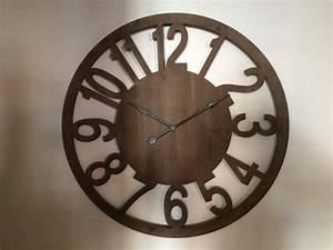 Maison Du Monde Horloge Murale : horloge murale bois maisons du monde luckyfind ~ Teatrodelosmanantiales.com Idées de Décoration