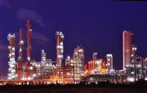 chinas refinery runs   highest  record gas