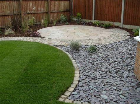garden designs  pebbles  pavers breakpr