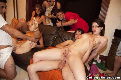 Muscle Students Erotica On Sorority Group Classroom Rules Toga Parties @ Girlznation