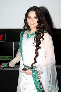 Gracy Singh on Munnabhai M.B.B.S - Desi Celebrity Pic