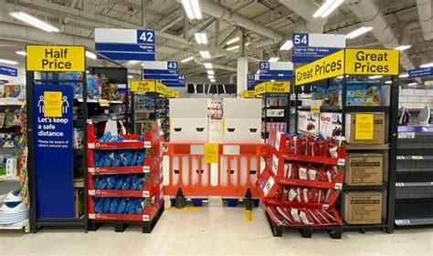 Wales lockdown: Fury as trolley police return to snoop on ...
