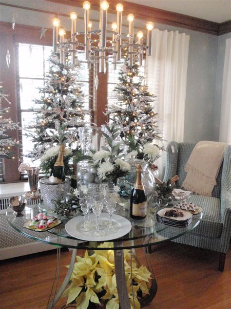 new year home decor hammers and high heels must see home decor overload bachman s idea house 2010
