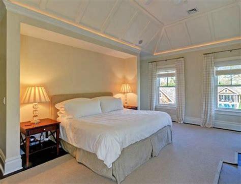 brooke shields buys classic hamptons house