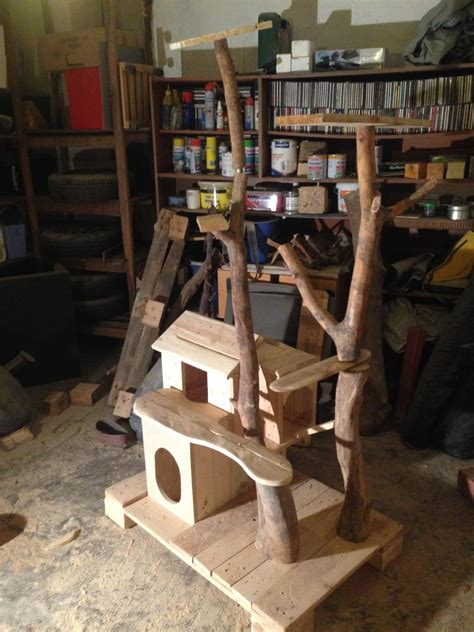 cat scratching post  cat house  pallet wood bark