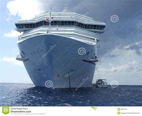 Big Boat Pictures by Big Cruise Ship Boat Stock Images Image 6907744