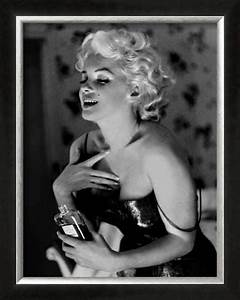 Marilyn Monroe, Chanel No.5 Framed Art Print by Ed ...