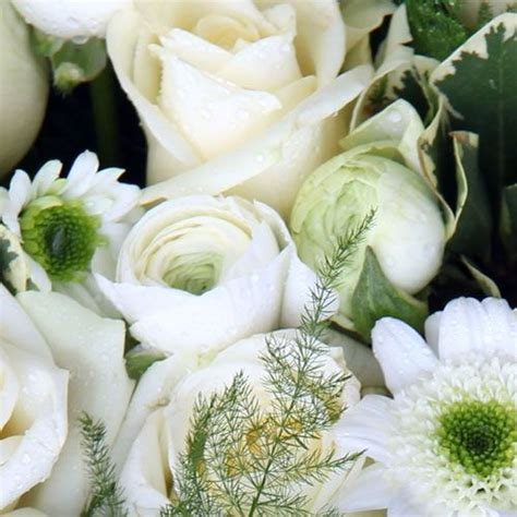 types  flowers  weddings bloomsbytheboxcom