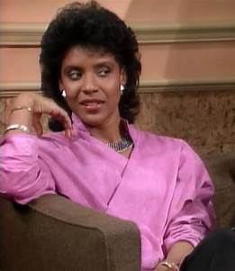 CLAIR HUXTABLE: MOM STYLE ICON