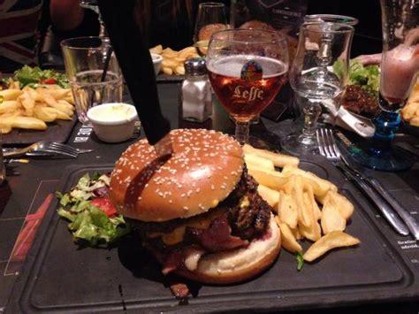 au bureau colossal burger photo de pub brasserie au