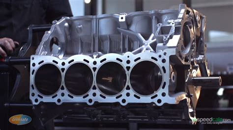 inside an aussie nissan v8 supercar engine enginelabs