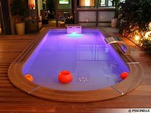 Eclairage Piscine Bois : l 39 clairage de la piscine ~ Edinachiropracticcenter.com Idées de Décoration