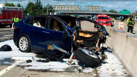 Tesla Model S Crash by Tesla Model X Was In Autopilot Before Fatal Crash In