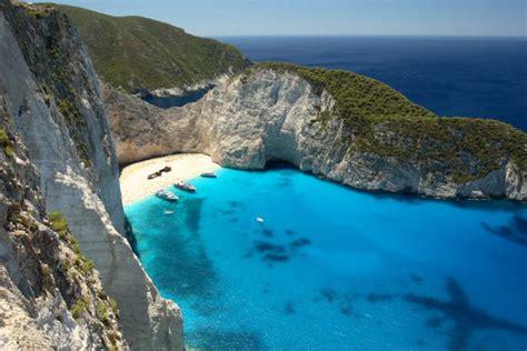 chambre d hotes ile de la reunion kayak de mer grece randonnee en canoe sur la mer ionienne