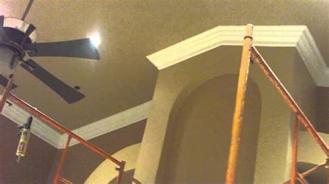 vaulted ceiling crown molding