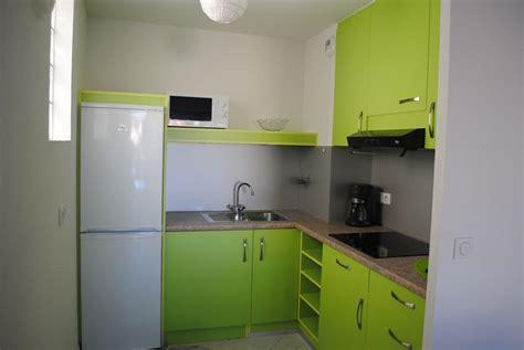 image de placard de cuisine placard sur mesure de cuisine contemporaine modèles et designs
